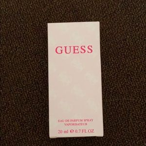 Guess travel spray